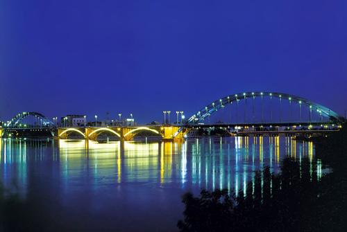 Witte brug van Ahvaz