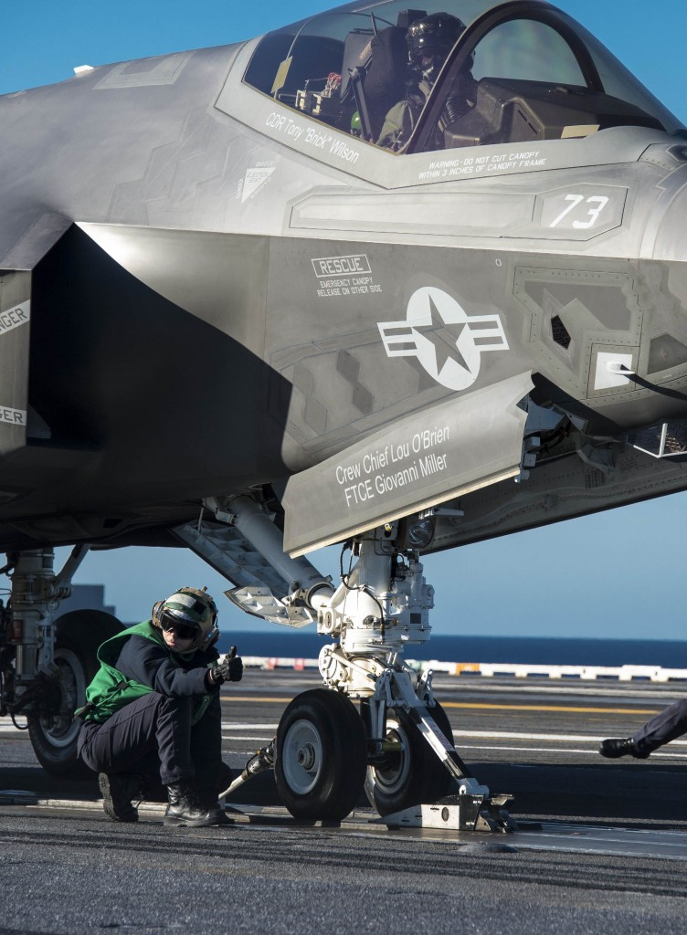 F-35-first-catapult-launches-USS-Nimitz2-752x1024