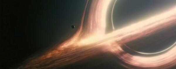 Zwart gat met planeet uit Interstellar
