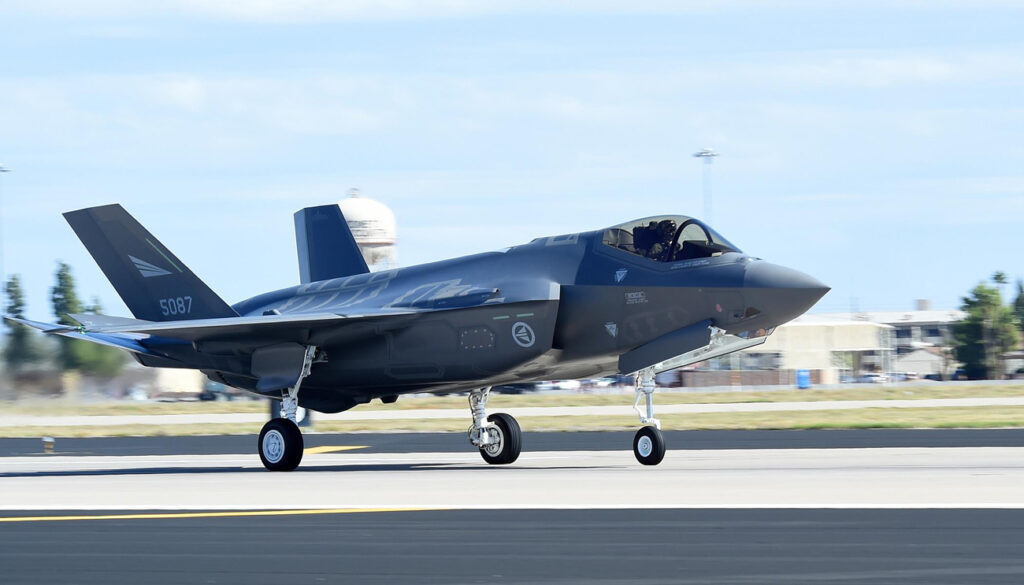 Royal Norwegian air force receives F-35 Lightning II