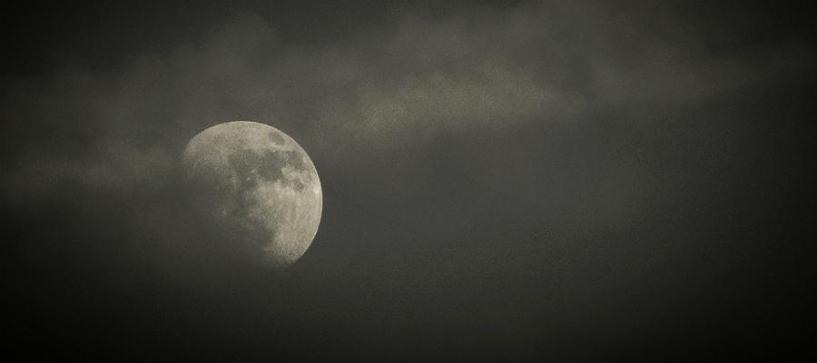 zwarte maan