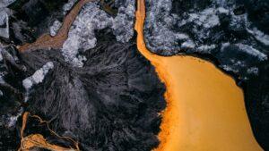 vervuilde rivier