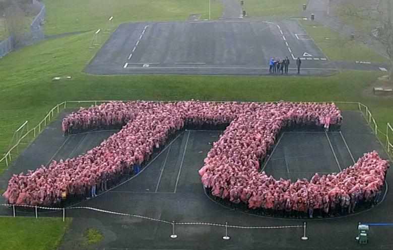 Record: 1170 mensen vormden samen een pi-symbool